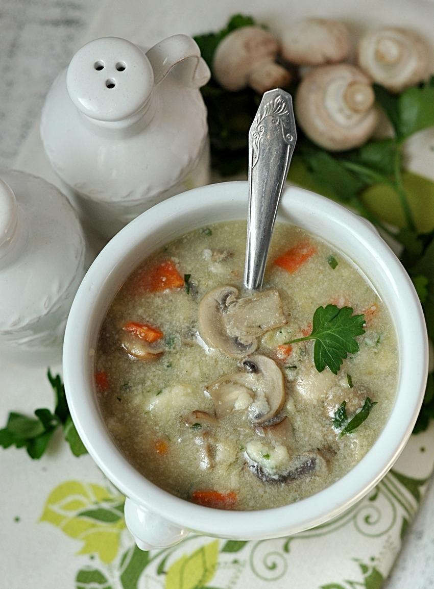 Zupa pieczarkowa z kaszą