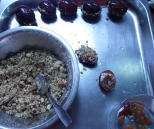 Świąteczne Knedle ziemniaczane ze śliwkami i bakaliami
