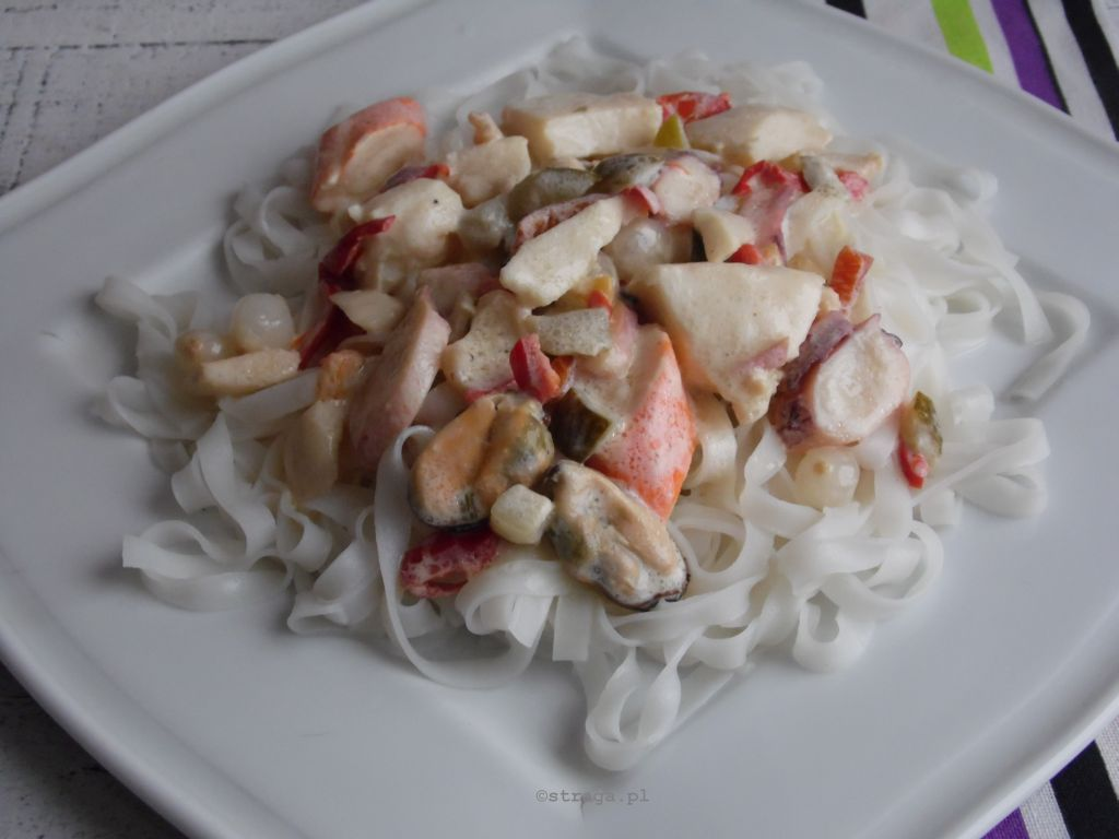 Owoce morza z makaronem