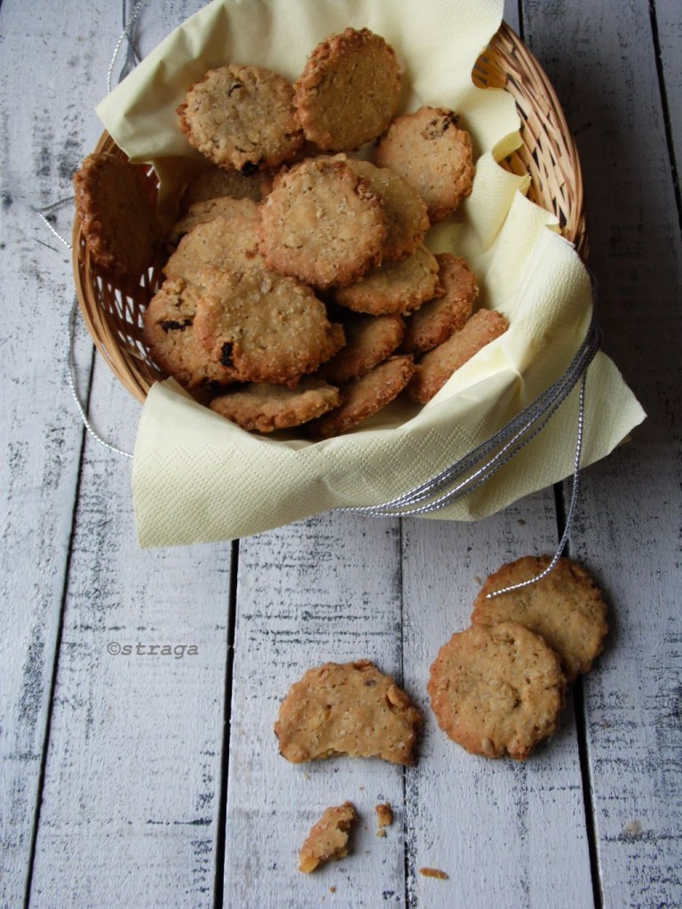 ciasteczka owsiane z rodzynkami
