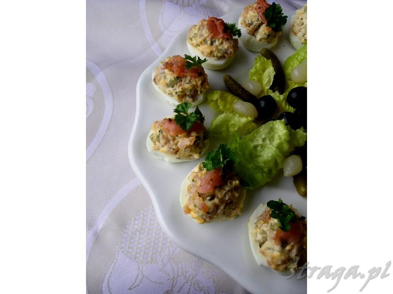 jajka faszerowane łososiem wędzonym