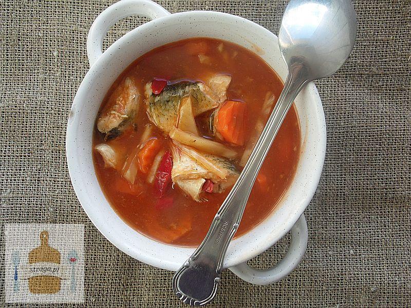 Pikantna zupa z płotek