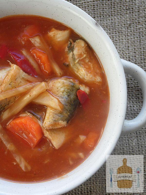Pikantna zupa rybna z płotek