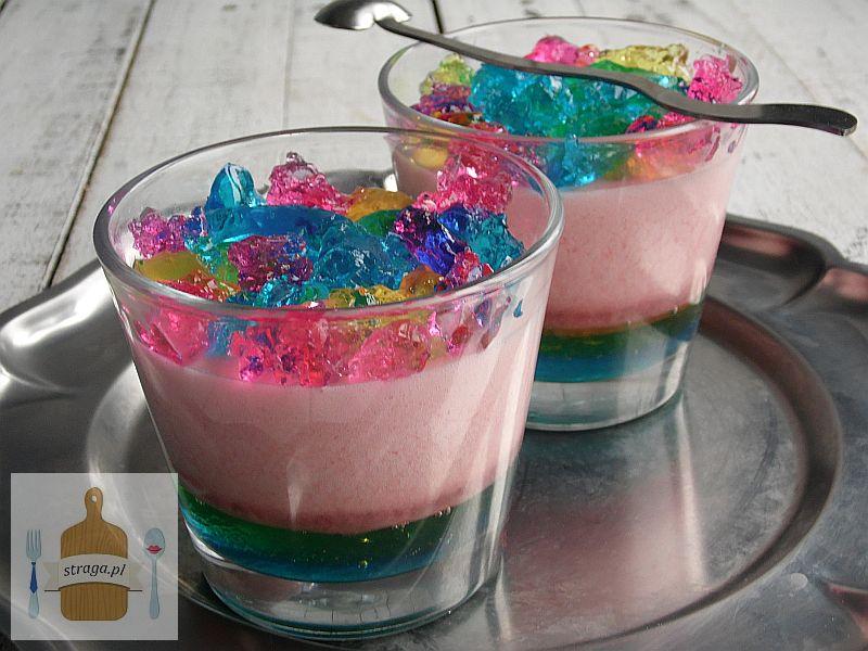 Piankowy deser kolorowy