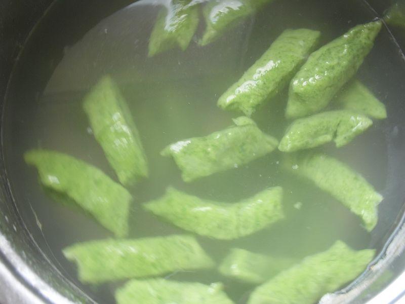Kluski szpinakowo-serowe