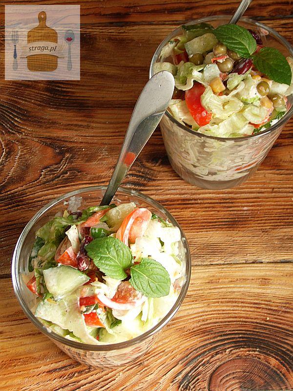 Sałatka warzywna z miętą