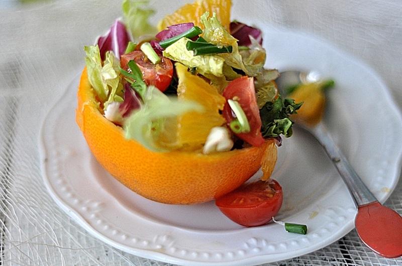 Orzeźwiająca sałatka z pomarańczami
