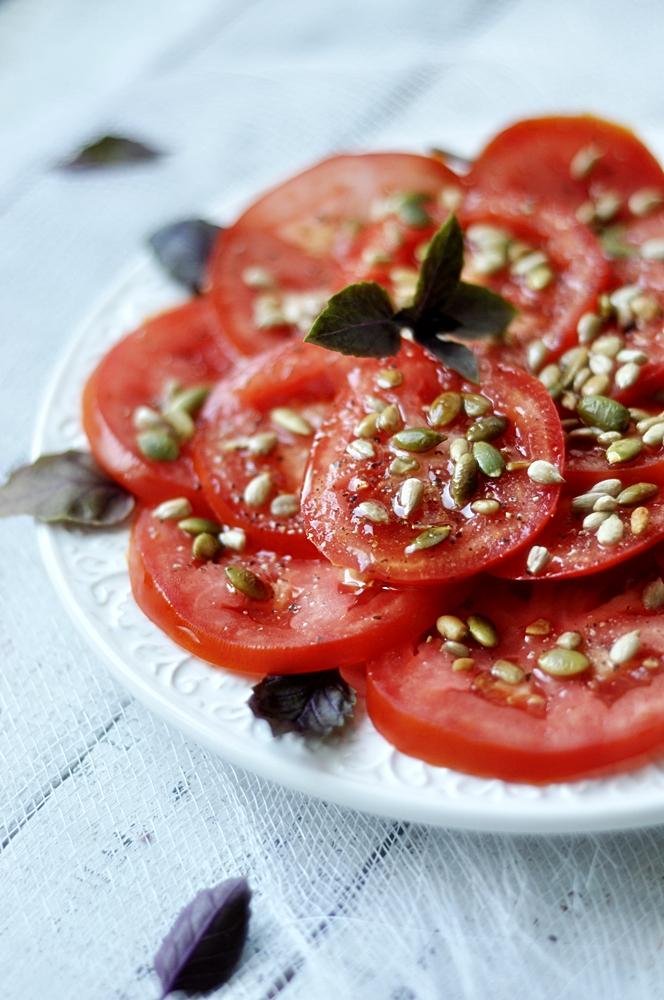 Prosta sałatka z pomidorów