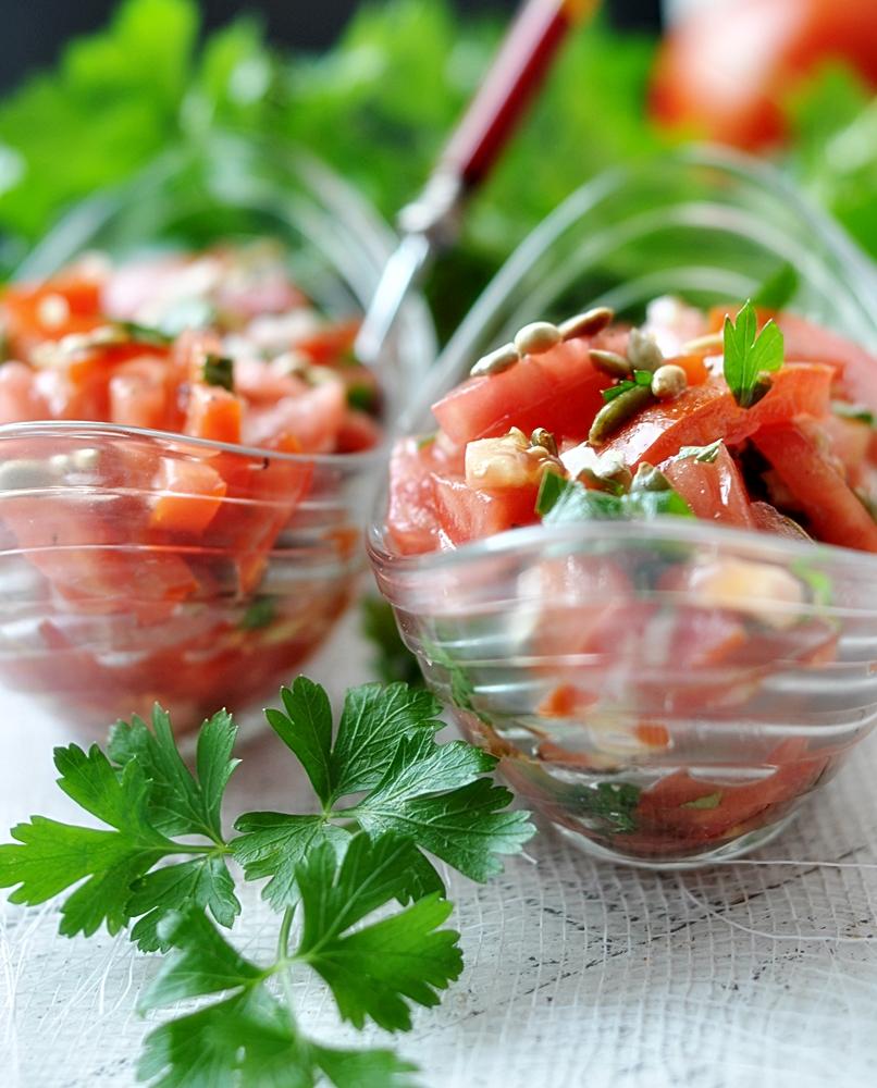Letnia sałatka z pomidorów
