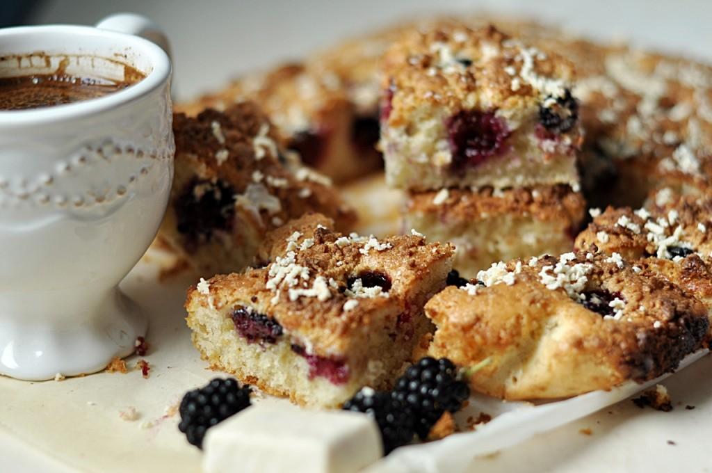 Ciasto z jeżynami i michałkami