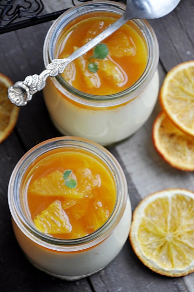 Pomarańczowa panna cotta z syropem pomarańczowym