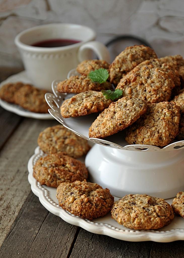 ciasteczka owsiane z orzechami i migdałami