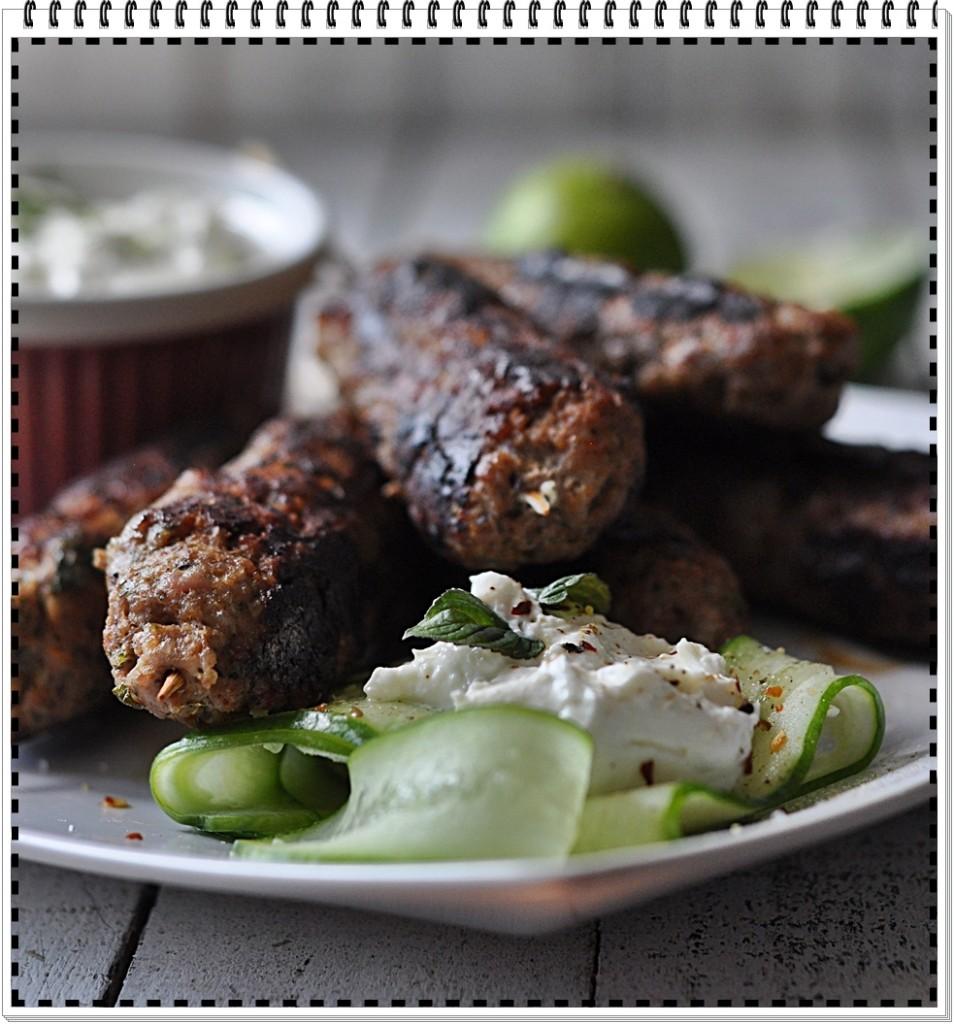 Kofty, czyli szaszłyki z grilowanego mięsa
