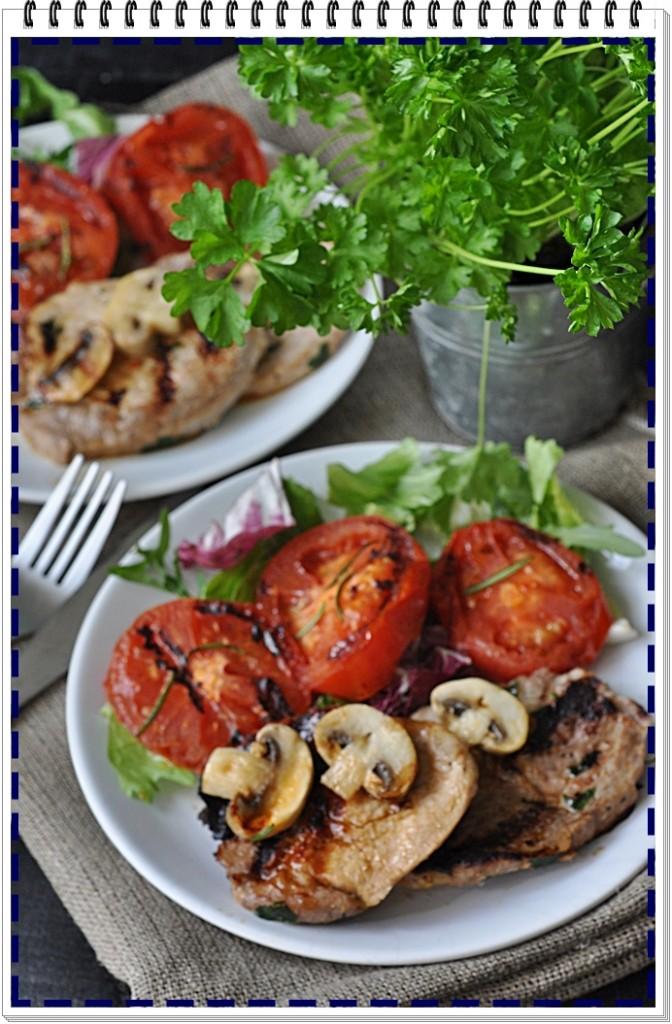 schab grillowany z pomidorami i pieczarkami