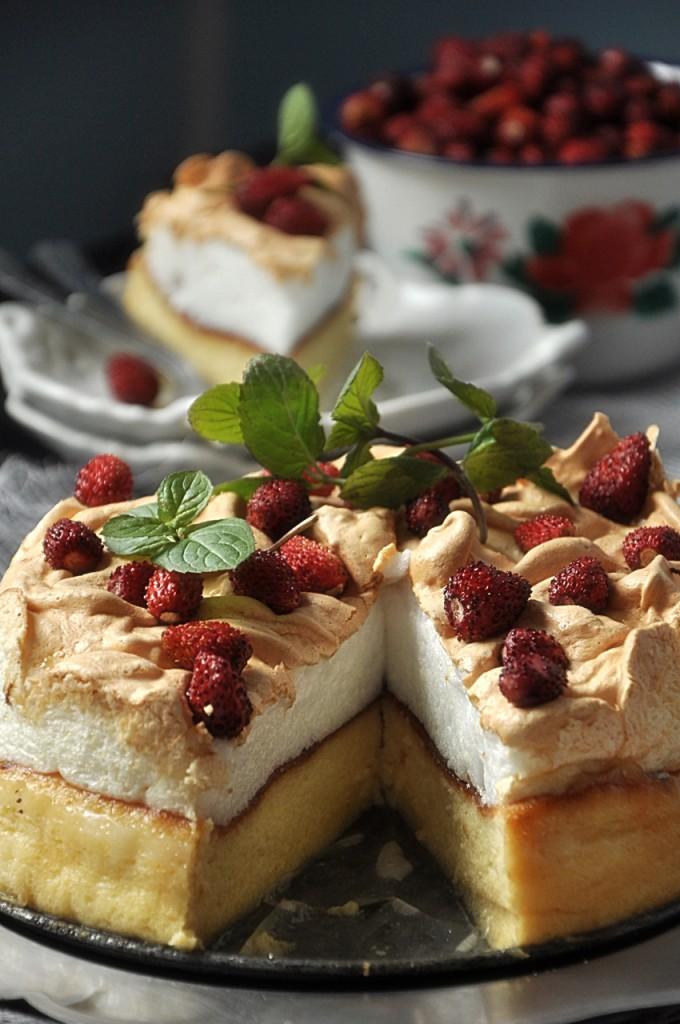 Ciasto sernikowe z bezą
