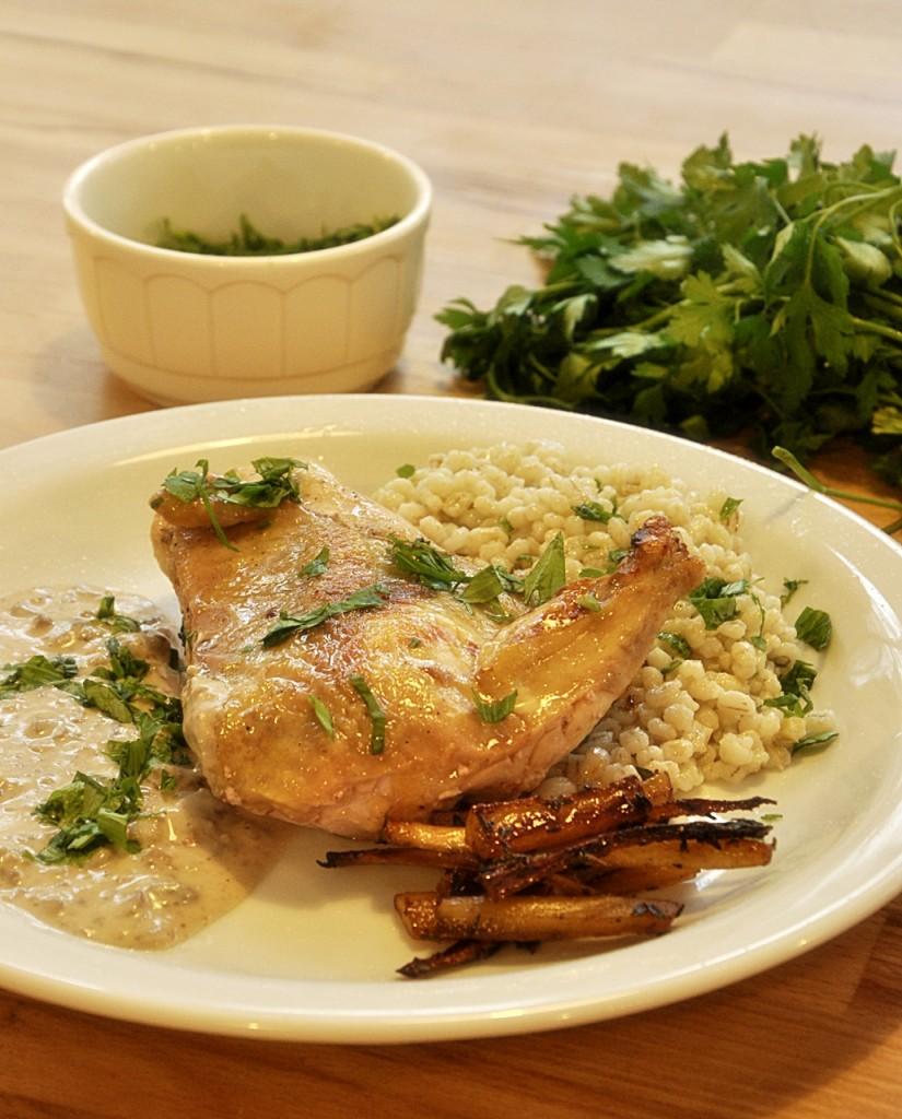 Pierś kurczaka z pęczakiem, pasternakiem i kasztanami