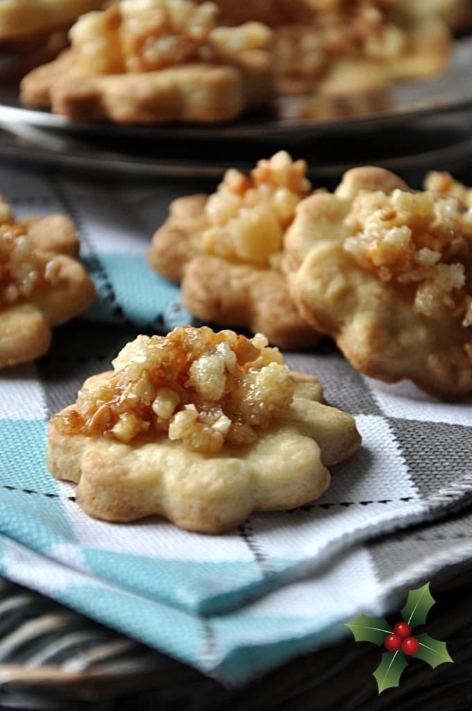 ciasteczka maślane z karmelem i migdałami
