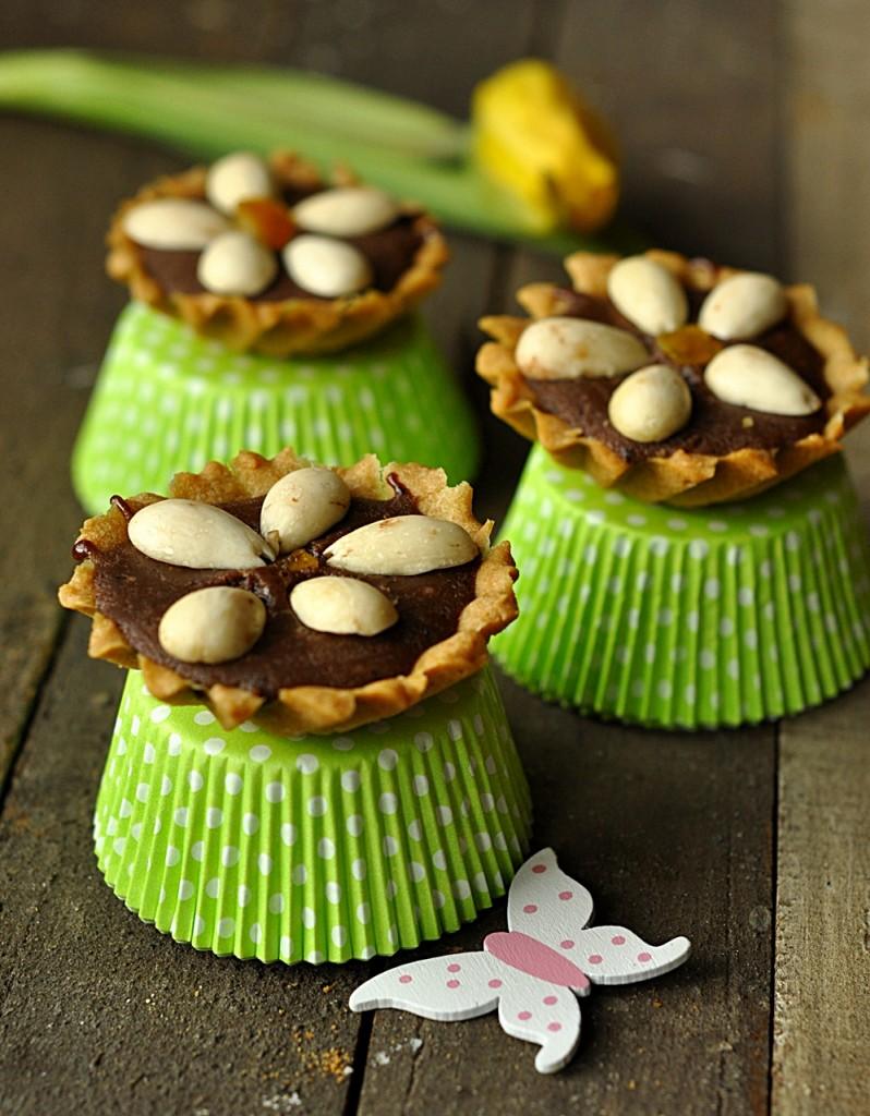 Babeczki z czekoladą i migdałami