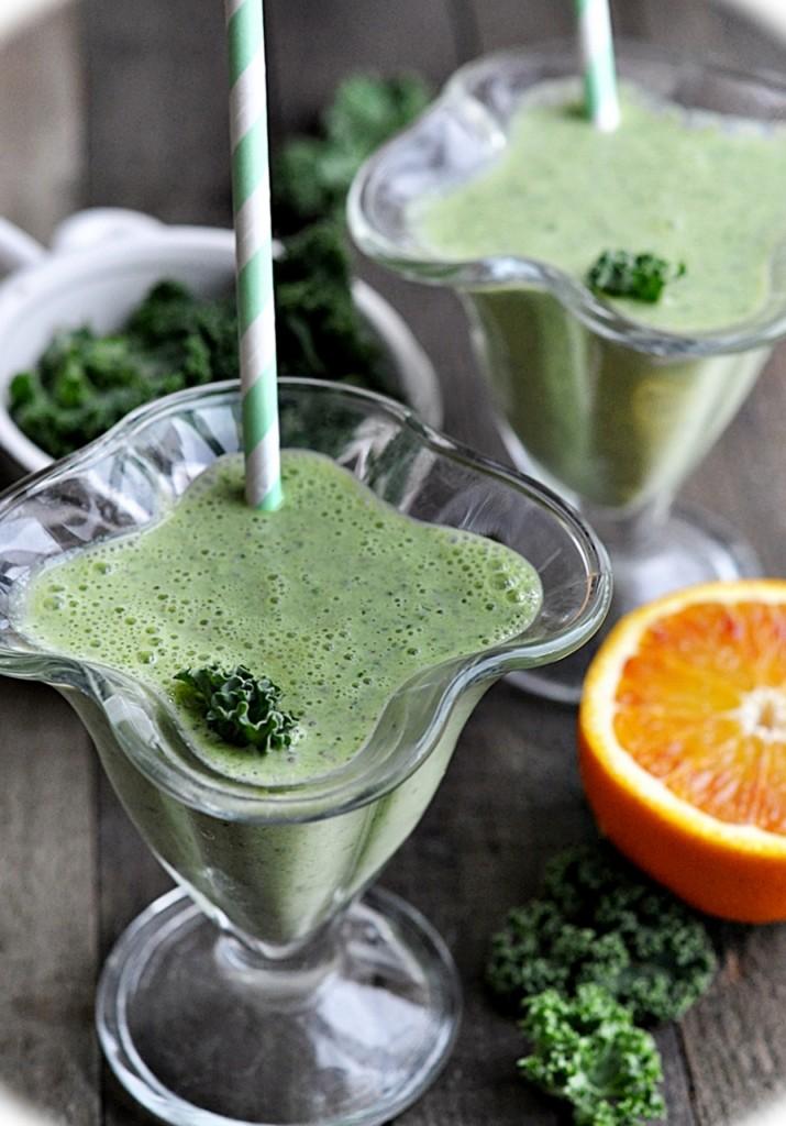 zielone smoothie z jarmużu