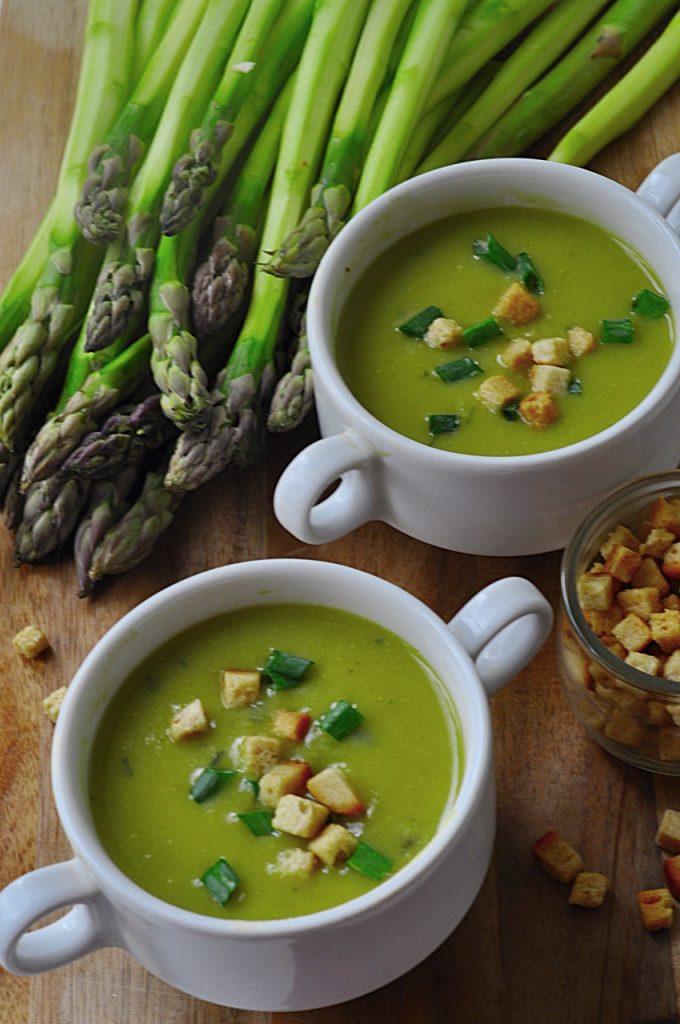 Ekspresowa zupa szparagowa