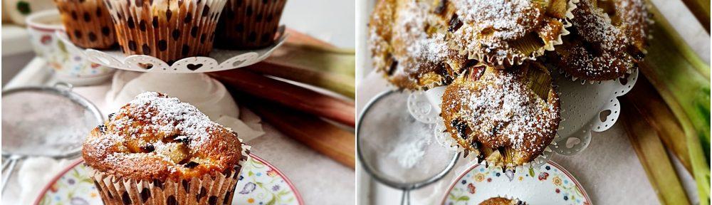 Babeczki z rabarbarem i cukrem pudrem